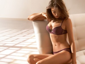 purple with white spots bra and panties