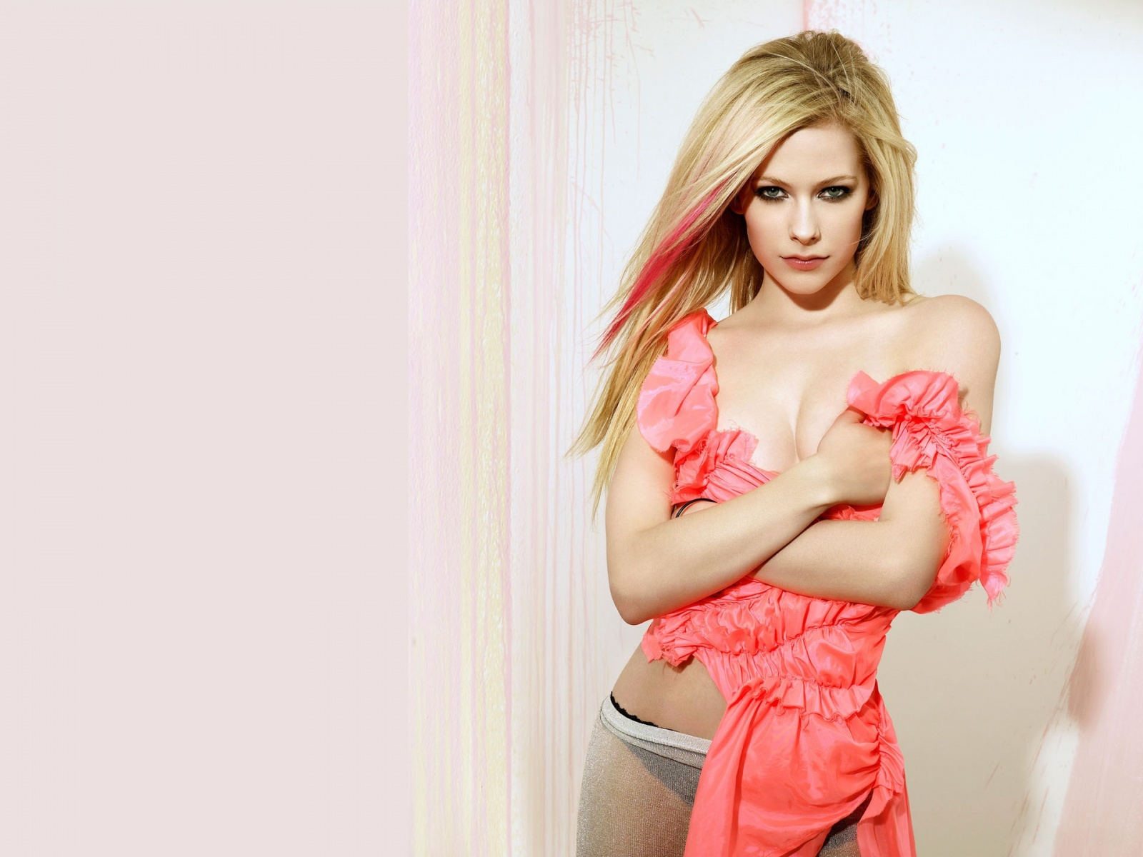 Avril Lavigne Peach Frill Dress And Black Panties With A See Through Sarong
