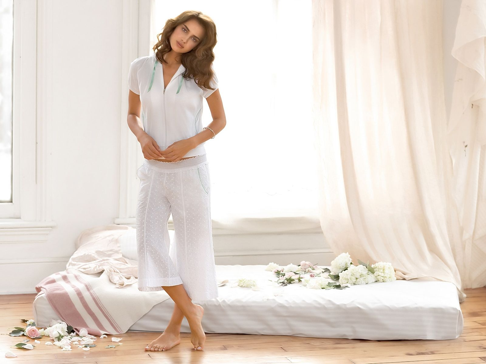 White,blouse With Long Shorts