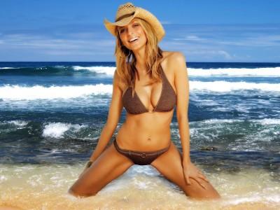 Brownie,bikini straw hat
