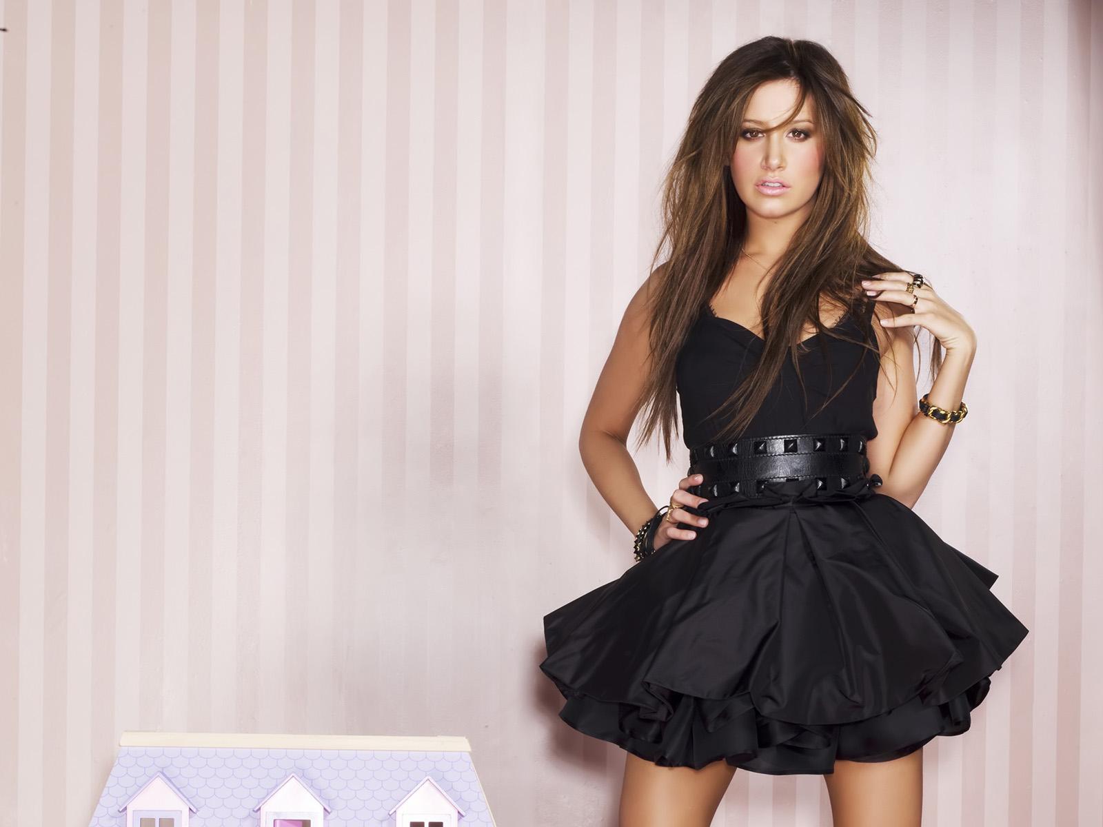 Black,mini Dress & Black Belt