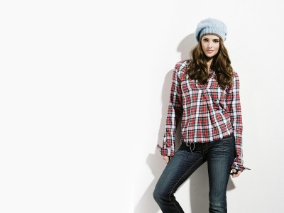 Red,& white checkered top blue jeans
