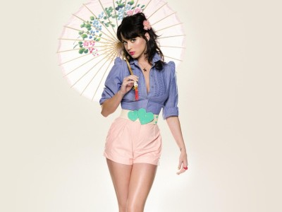 Blue,blouse pink shorts green heart belt & sun brolly
