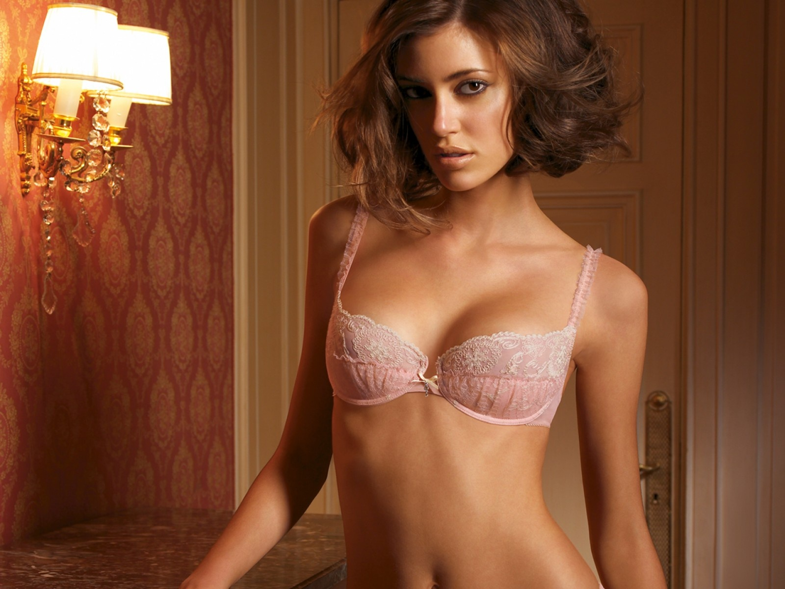 Pink,very Lacey Decor Bra