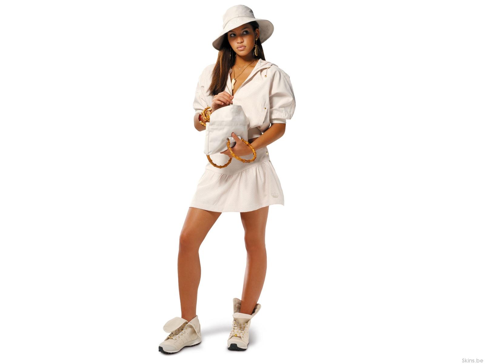 White,Blouse & mini skirt white bag & boots