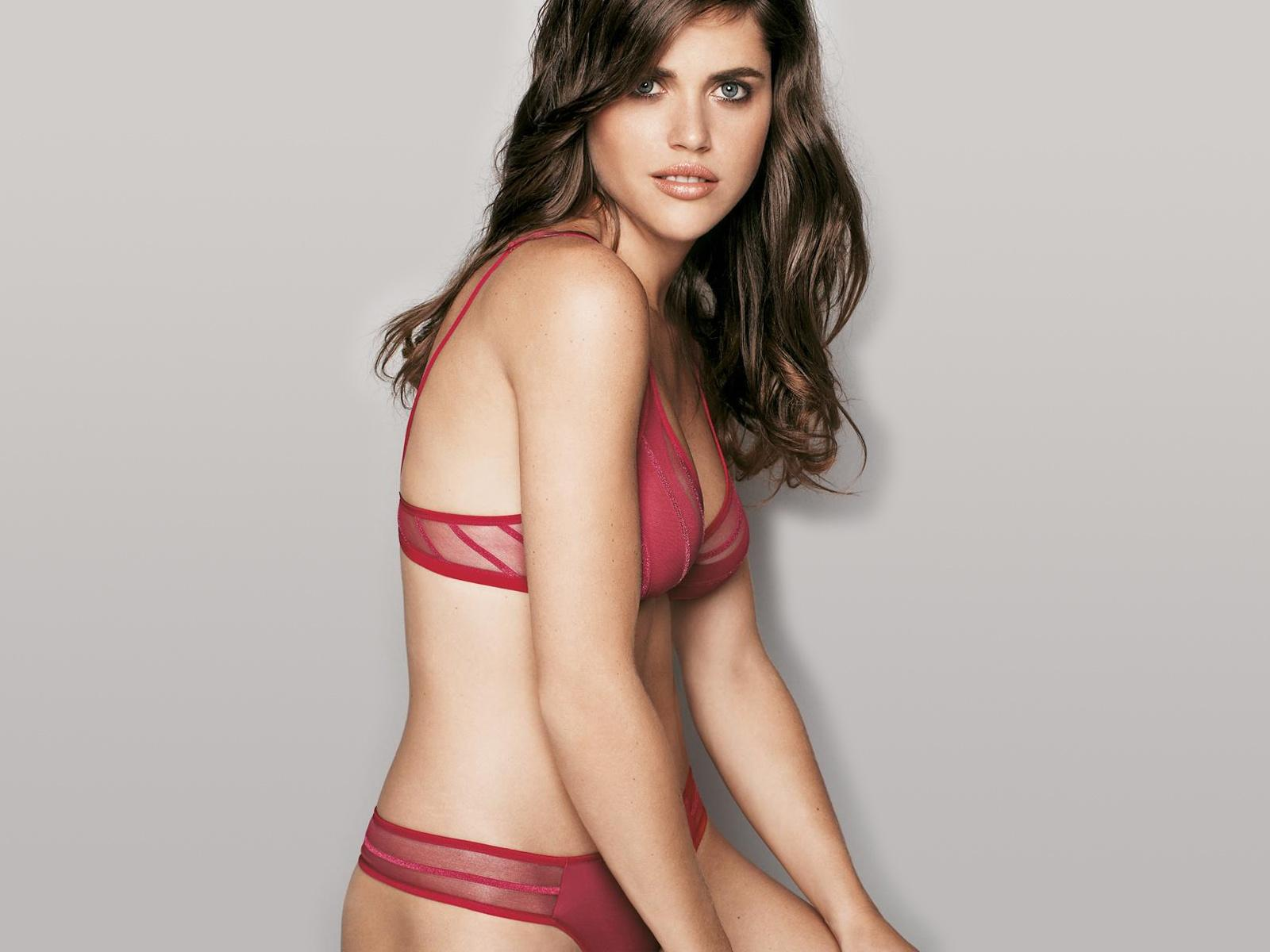 Red,shear bra and thong.jpg