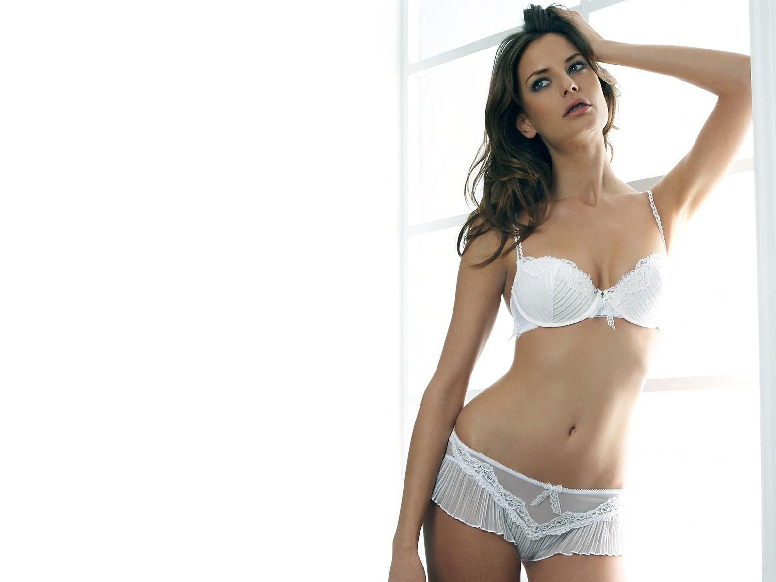 white,bra and knickers frilly trims