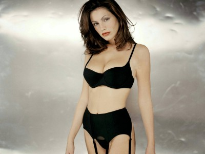 black,suspender knickers and bra plain smooth